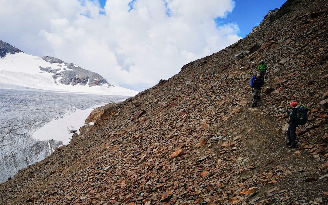 Gipfelstürmer auf hochalpinen Wegen im Ötztal